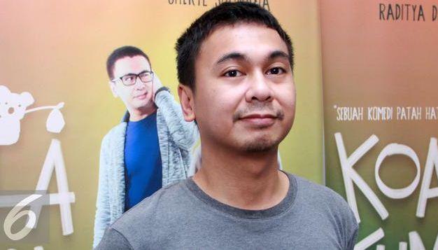 berapakah tinggi badan raditya dika, info tinggi badan artis indonesia raditya dika, stand up comedy indonesia raditya dika mengenai tinggi badan, tinggi badan artis indonesia,
