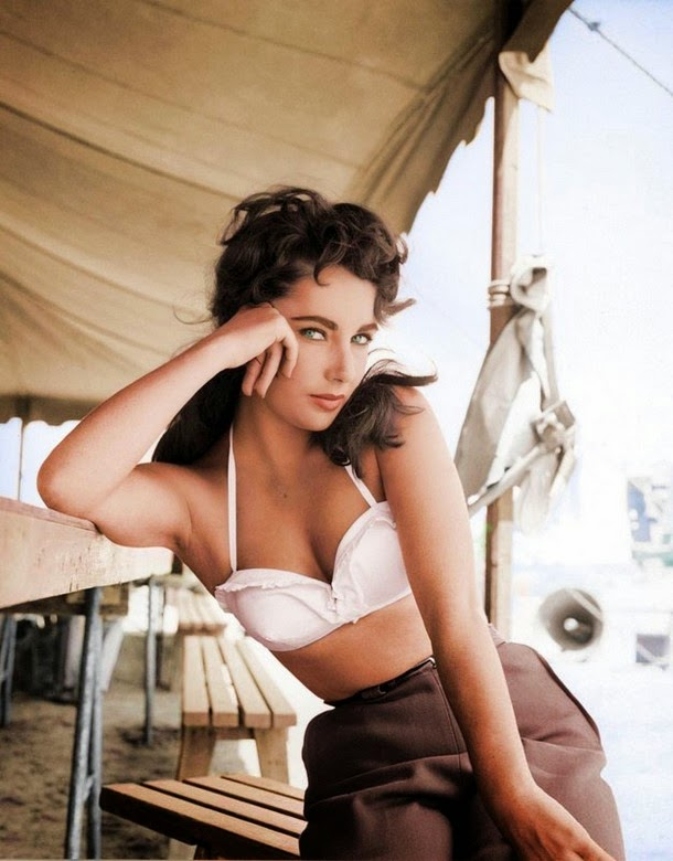 28 Realistically Colorized Historical Photos Make the Past Seem Incredibly Alive - Elizabeth Taylor, 1956