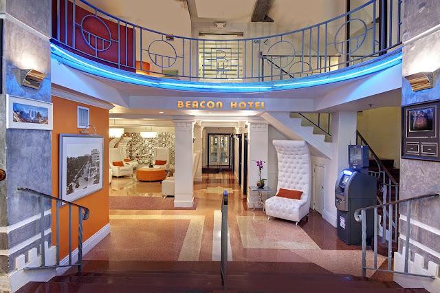 Entrada do Beacon Hotel
