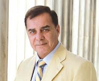 """Ο πρώην δήμαρχος και επικεφαλής της μείζονος αντιπολίτευσης Γιάννης Αναγνώστου δείχνει να πρωτοστατεί σε αποκαλύψεις και δημόσιες καταγγελίες για τα όσα συμβαίνουν στα δημοτικά αναψυκτήρια και στο δημοτικό κοιμητήριο. Μάλιστα ο κ. Αναγνώστου δεν παραλείπει να τονίσει τα αποτελέσματα της απόφασης του κ. Βαλασόπουλου να βάλει """"λουκέτο"""" στην Ευώνυμος ΑΕ, ενέργεια που εκτός των άλλων είχε σαν """"συνέπεια, να μείνουν αναξιοποίητα τεράστια περιουσιακά στοιχεία του Δήμου, τα αναψυκτήρια και το κυλικείο του Δημοτικού Νεκροταφείου, ζημιώνοντας έτσι το Δήμο με αρκετές εκατοντάδες χιλιάδες ευρώ και αποστερώντας την εργασία σε τουλάχιστον 60 υπαλλήλους""""."""