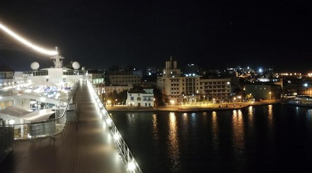 MSC Armonia - Blick aufs Deck und auf Havanna