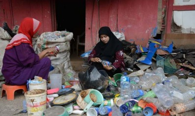 UNNES Wisuda Anak Pemulung IPK Cumlaude