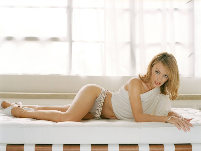 kylie-minogue-hot-sexy-hd-wallpaper