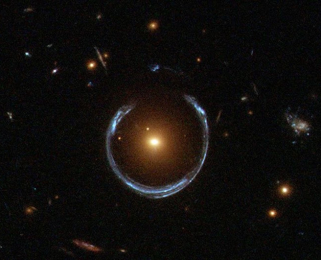 gravitational lensing of a black hole - photo #11