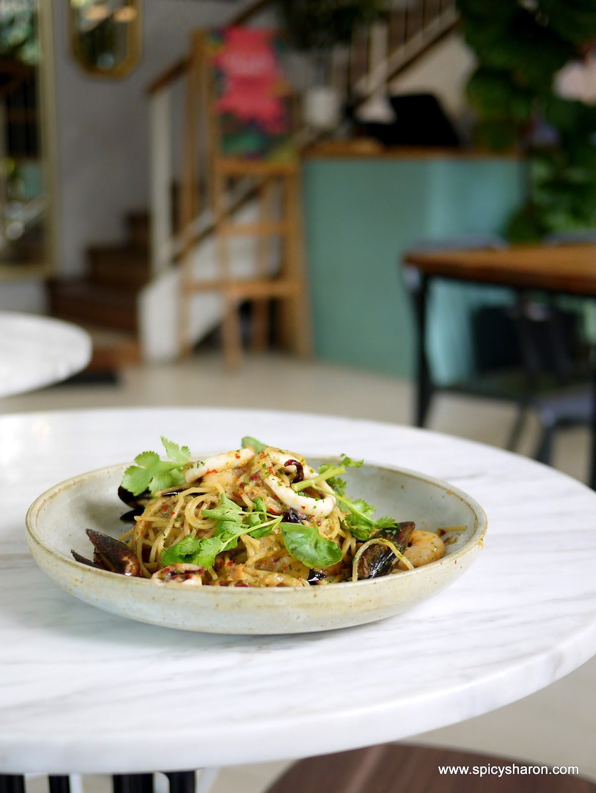 Rimba rusa sunway nexis kota damansara pj beautiful for Food bar kota damansara