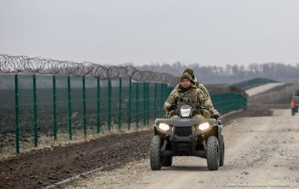 На кордоні з РФ відновили будівництво стіни