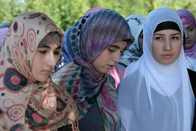 https://2.bp.blogspot.com/-t42UfvI-y3Q/V864v__7ZjI/AAAAAAAAI4M/F27OuWRHQXsCFkIijxqNBwl1x3D7d7W9ACLcB/s1600/muslimah-prancis-_121017153943-210.jpg