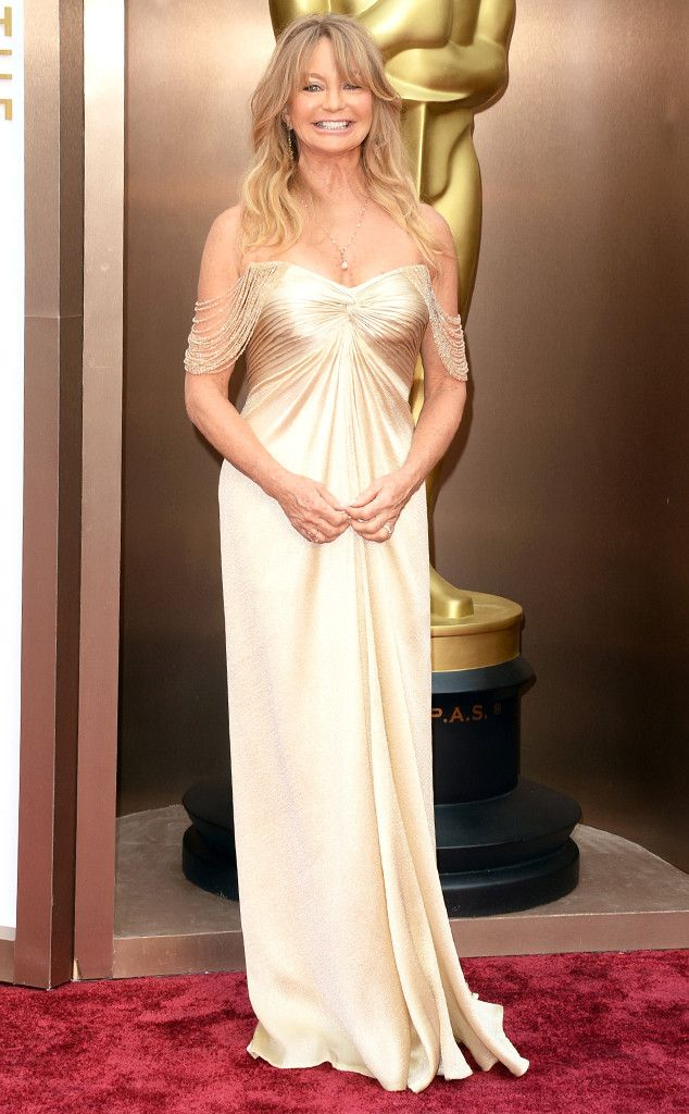 Goldie Hawn in a pretty ivory gown at the Oscars 2014