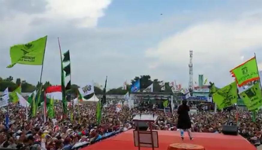 Nissa Sabyan tampil dalam Kampanye Prabowo di Jogja