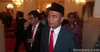 Full Day School Bikin Gaduh, Presiden Jokowi Diminta Copot Mendikbud