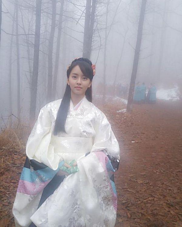 "Drama baru MBC ""Ruler: Master of the Mask"", yang akan ditayangkan mulai bulan Mei mendatang, telah merilis teaser pertamanya."