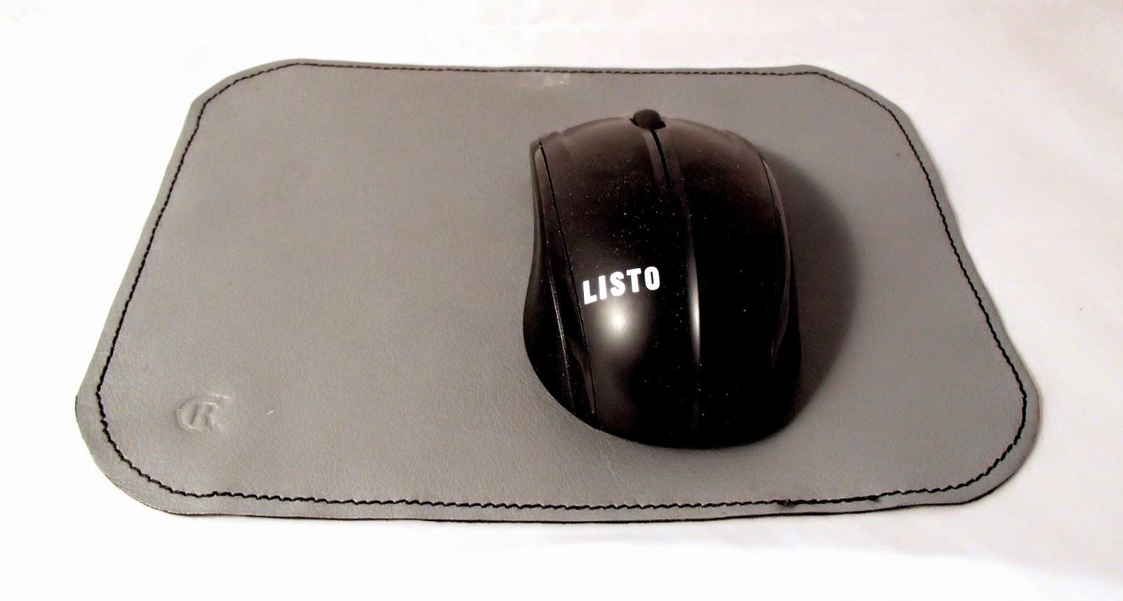 Tapis de souris avec souris dessus