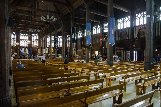 Honfleur iglesia madera mas grande Francia Normandia turismo que ver