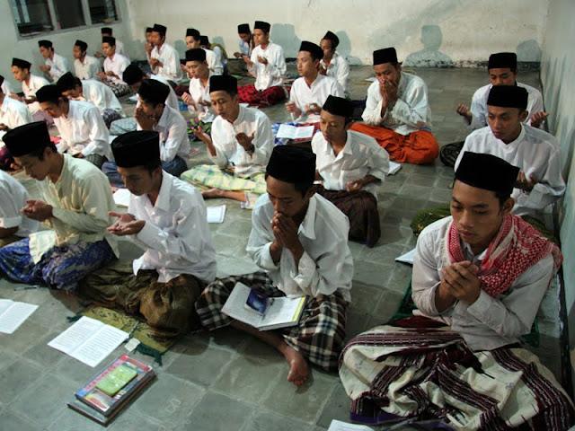 Pertanyaan Kritis Untuk Sang Guru, Kenapa Harus Wallahu A`lam Kyai?