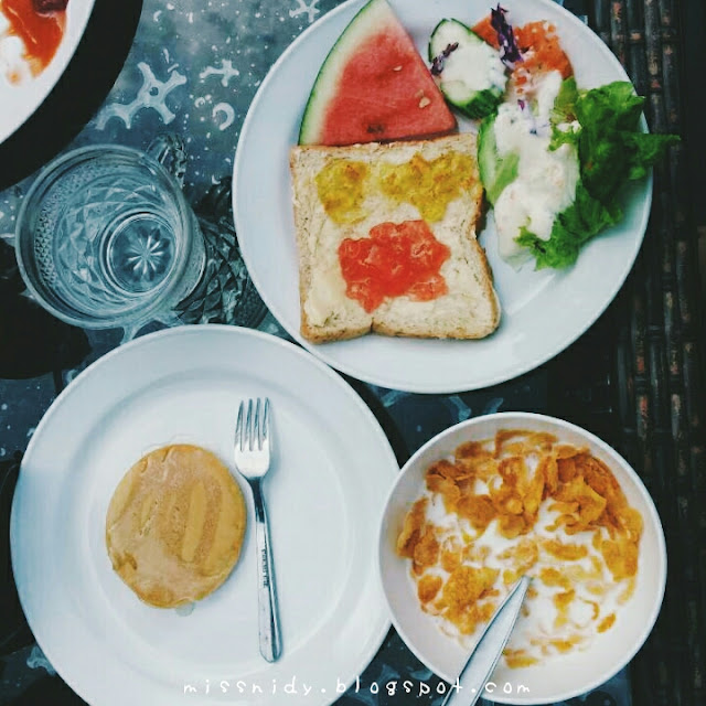 the cobble beach hotel breakfast