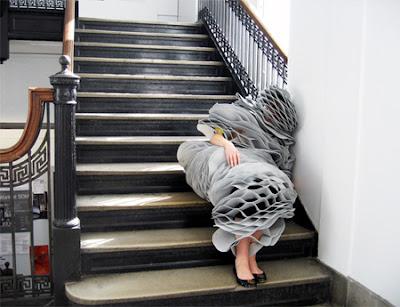 نام فى اي مكان مع بدلة النوم