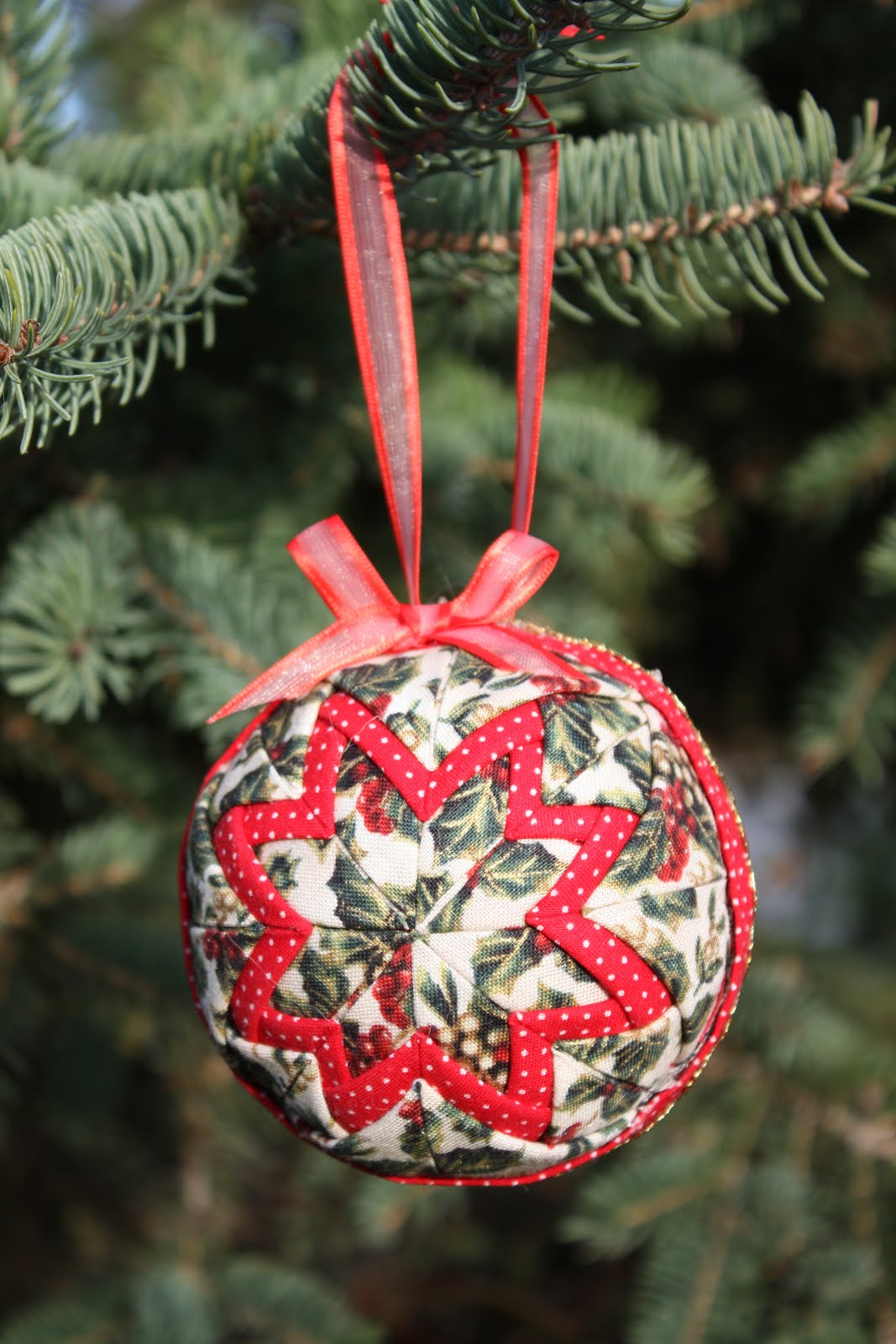 Thimbles Bobbins Paper And Ink Quilted Fabric Ornaments