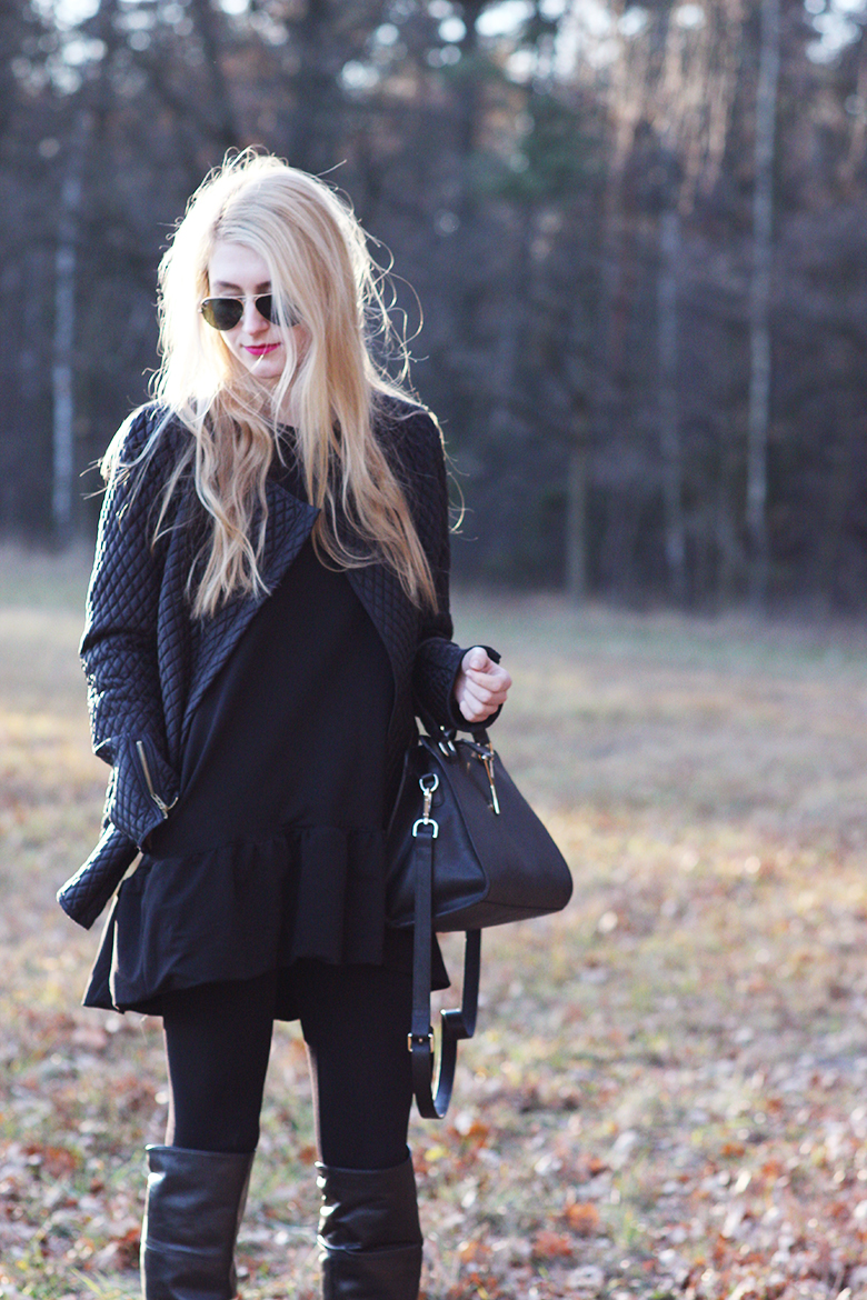 FiFi tunic Gatta leggings Humanic high boots fashion blogger blog girl black pink lips bourjois bag jacket