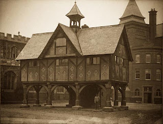 Marker Harborough market square - The Macabre Observer