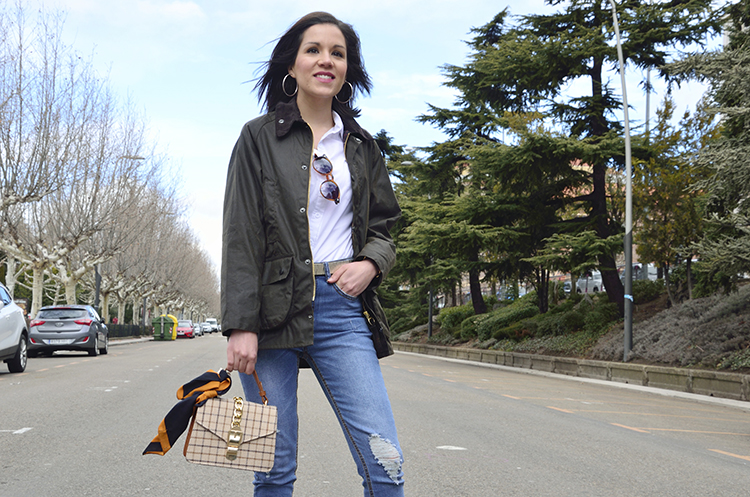 casual_look_blogger_barbour_white_shirt_jeans_outfit_ootd_trends_gallery