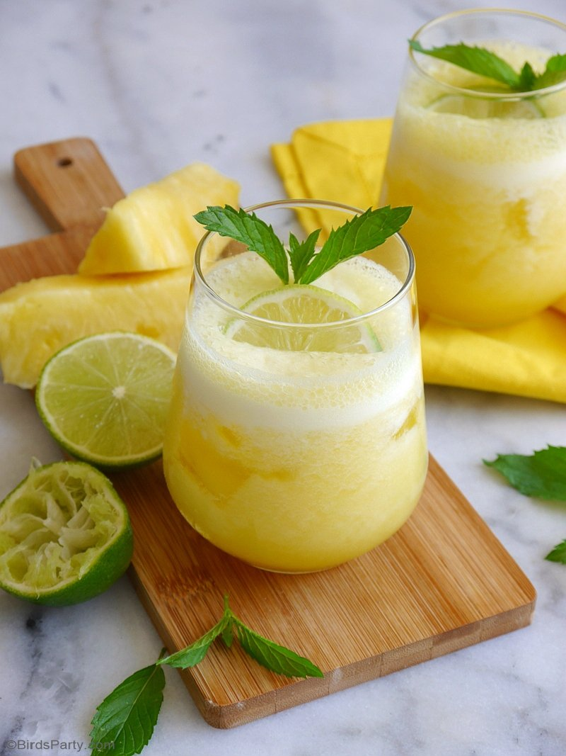 Pineapple Daiquiri Cocktail Recipe - a delicious, refreshing and super easy to make drink for any summer party or pineapple theme celebration! by BirdsParty.com @birdsparty #diquiri #pineapple #summerparty #pineappleparty #summercocktails #cocktails #frozendaiquiri #cocktailrecipe