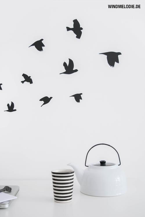 Wandtattoo Vögel Vogelschwarm TineK Becher Teekanne schwarz weiß