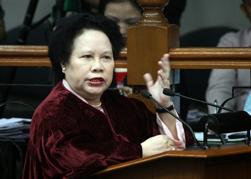 Miriam Santiago tops social media, presidential polls