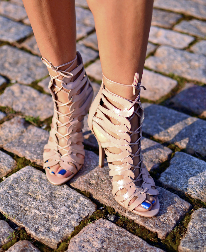 CAGE SANDALS STREET STYLE