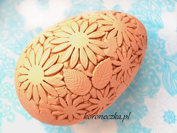 pisanka ceramiczna  z czerwonej gliny