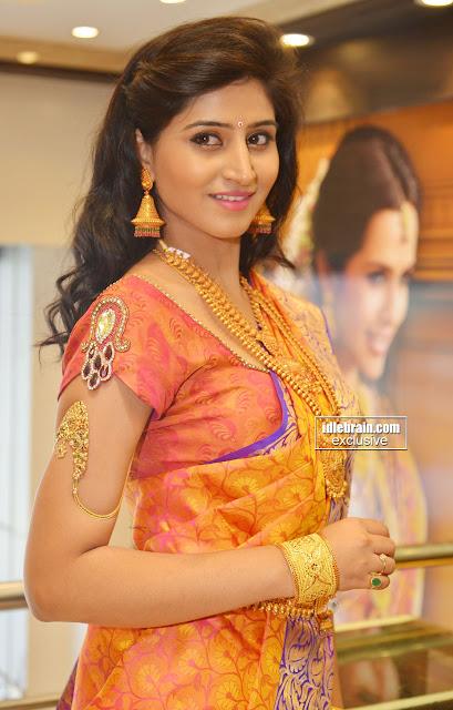 Indian Hot Actress Photos: Shamili Sounderajan Lovely ...  Indian Hot Actr...