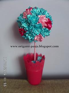 wstążka, kwiaty, ze wstążki, amarant, róż, niebieski, na szczęście, slub, urodziny, chrzest, roczek, imieniny, świeta, ozdoba stołu, okna, na parapet