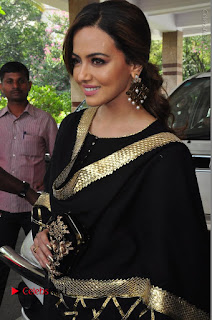 Bollywood Actress Sana Khan Launches Aakrithi Exibition  0161.JPG