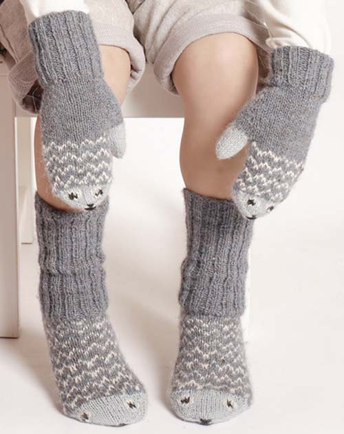 Knitted Mittens & Socks with Fish - Free Pattern