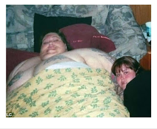 The most fat husband and wife, 10 years ago both of them had a mistake,