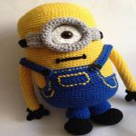 http://www.ravelry.com/patterns/library/minion-revisited