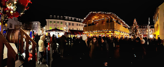 The Saarbrücken Christmas market atmosphere