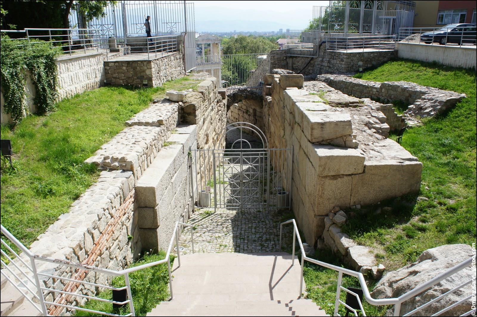 Plovdiv Roman Theatre: the entrance.