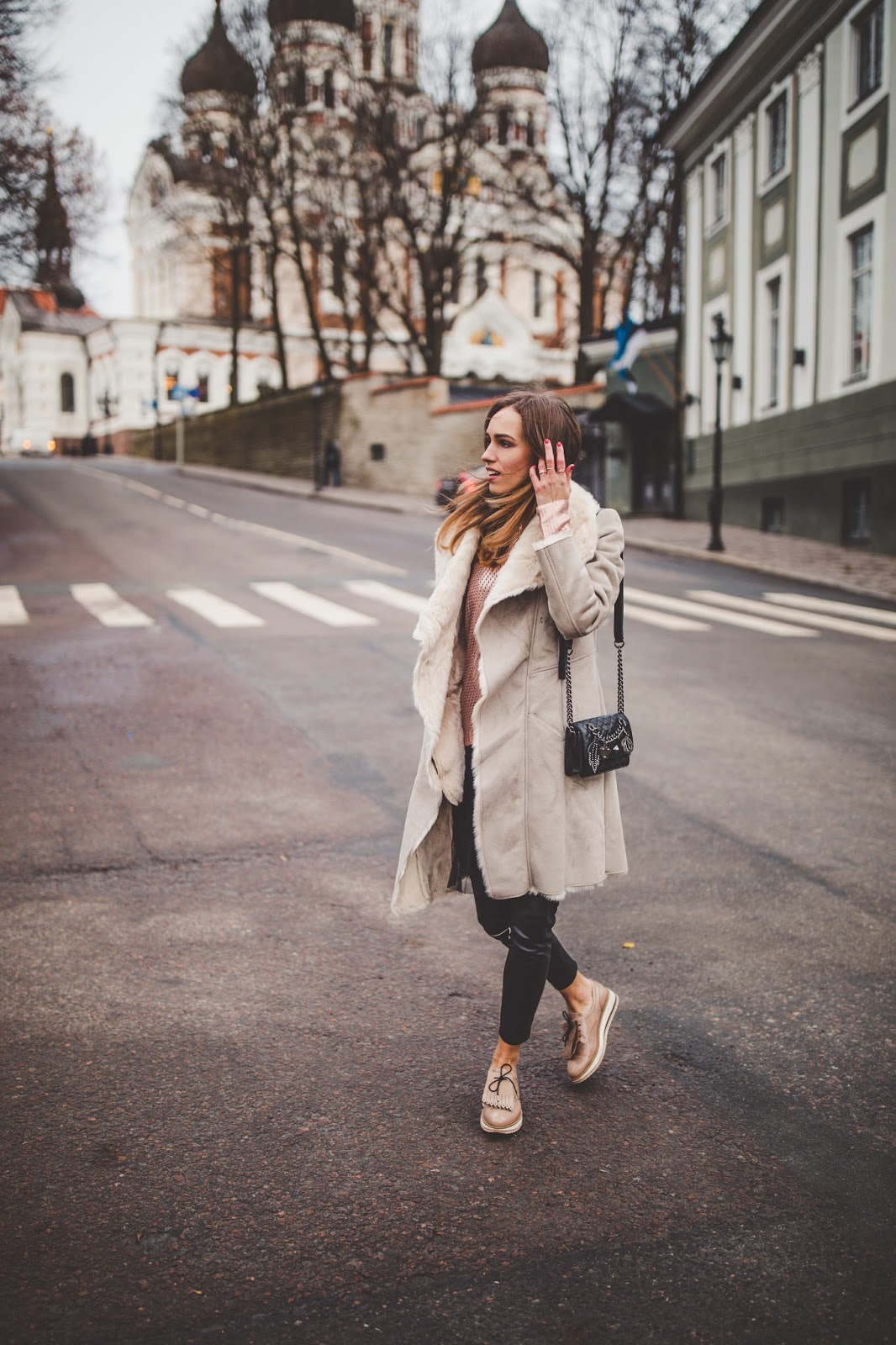 grey shearling coat outfit fall