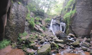 MacGregor's Cave on the Burn o' Vat walk