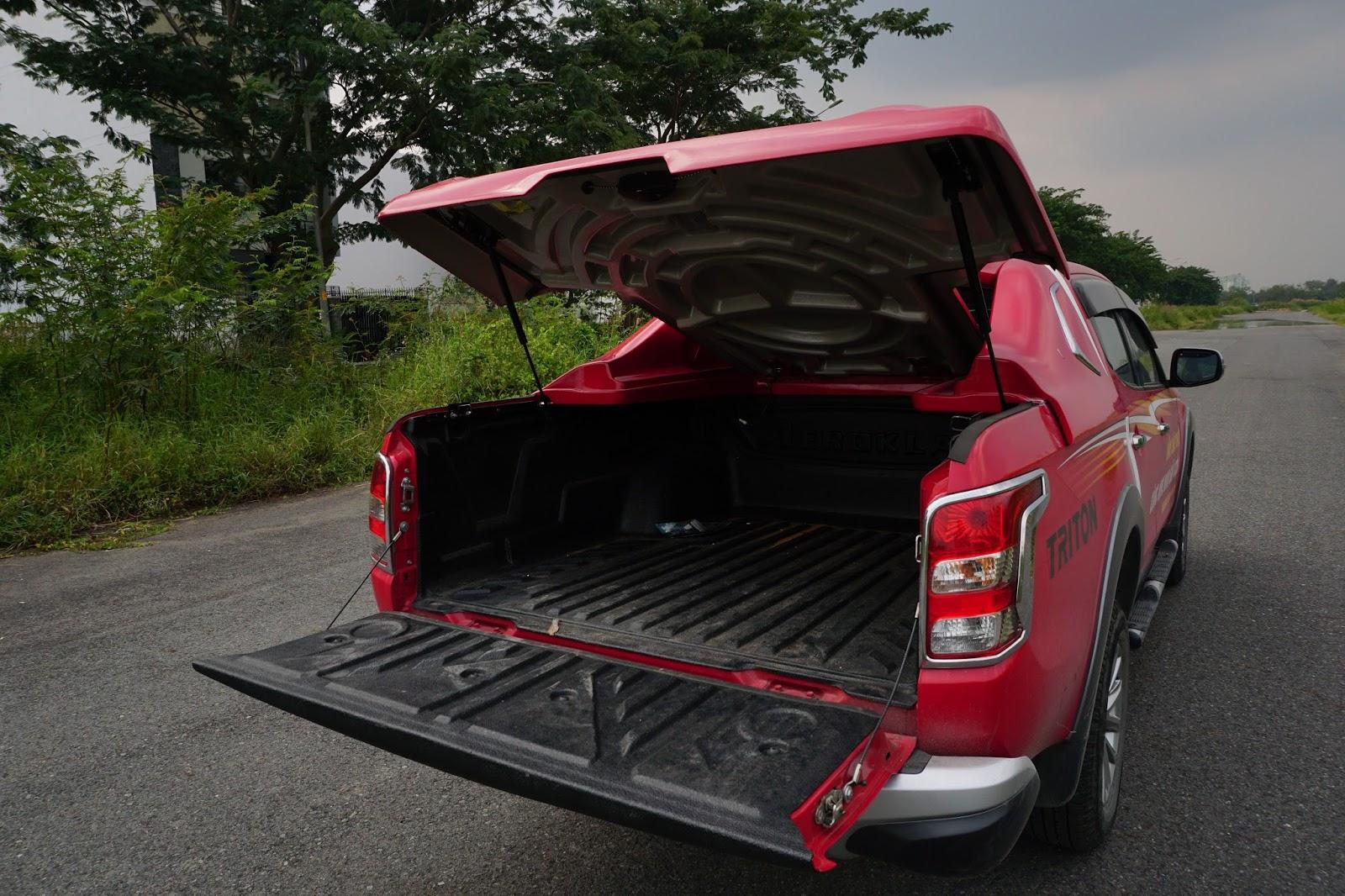 Thùng xe của Triton cực rộng và có thể chở được rất nhiều đồ