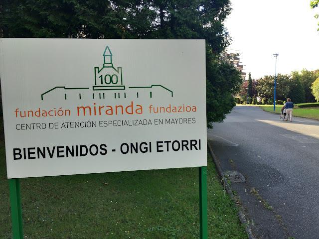 Entrada a la residencia de ancianos de la Fundación Miranda