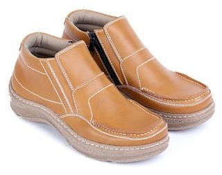 jual sepatu kerja pria,sepatu kerja pria coklat,sepatu kantor pria lancip,model sepatu pantofel pria,sepatu aladin pria kulit asli,gambar sepatu kerja handmade kulit,sepatu kerja cibaduyut online,supliyer sepatu kerja cibaduyut