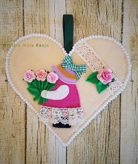 kartka na urodziny, kartka na 50 urodziny, kartka ręcznie robiona, filc, filcowe robótki, serce z filcu, pomysł na prezent, jak zrobić kartkę na urodziny, marzenia, spełniamy marzenia, serce ręcznie szyte, filc, lalka z filcu, dla Basi, ręcznie szyte, birthday card, 50th birthday card, handmade card, felt, felt needlework, felt heart, gift idea, how to make a birthday card, dreams, dreams come true, hand sewn, felt, felt doll, for Basia, hand sewn, Geburtstagskarte, 50. Geburtstagskarte, handgemachte Karte, Filz, Filz Handarbeiten, Filz Herz, Geschenkidee, wie man eine Geburtstagskarte, Träume, Träume wahr, handgenäht, Filz, fühlte Puppe, für Basia, handgenäht, поздравительную открытку, 50-летие, карточку ручной работы, войлок, войлочное рукоделие, сердце, подарочную идею, как сделать поздравительную открытку, мечты, мечты, сшитые рукой, войлочную, войлочную куклу,  tarjeta de cumpleaños, tarjeta de cumpleaños número 50, tarjeta hecha a mano, fieltro, costura de fieltro, corazón de fieltro, idea de regalo, cómo hacer una tarjeta de cumpleaños, sueños, sueños hechos a mano, fieltro, fieltro, para Basia, cosido a mano