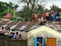 Pulang Bekerja Pria Ini Bingung Kenapa Semua Tetangganya Berada Di Atas Atap Rumah Padahal Tidak Banjir! Saat Tahu Penyebabnya Ia Langsung Kabur