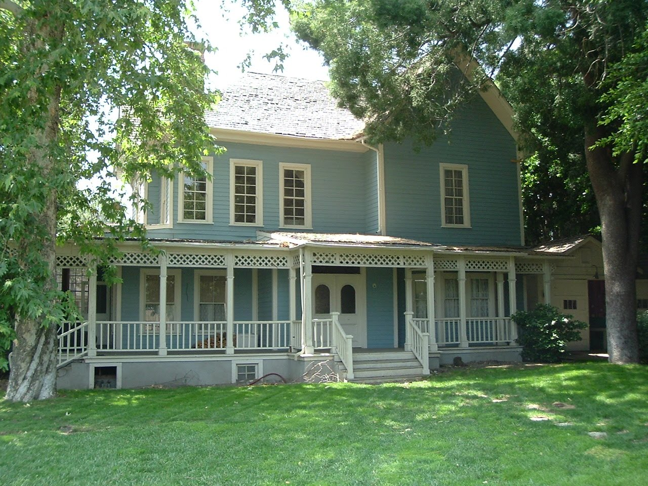 Filming Locations Of Chicago And Los Angeles Gilmore Girls Season 1 Episode 2 Quot The Lorelai