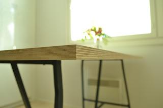 Saippuakuplia olohuoneessa- blogi, kuva Hanna Poikkilehto, Ikea, Keittiö, Keittiönpöytä, Pinnoitettu vaneri, Lerberg pukkijalat,