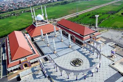 Gambar Masjid Agung Jawa Tengah dari atas