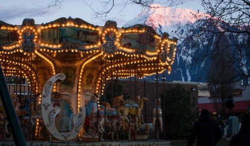 wayward-pines-carousel