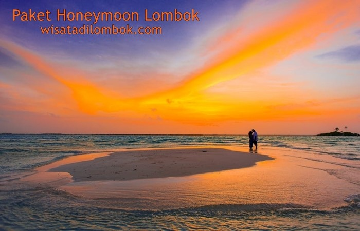 Objek Wisata Bulan Madu Lombok