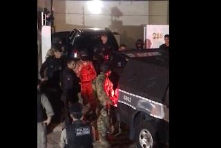 Suspeito de ter matado taxista se entrega à polícia após quase quatro horas de negociação